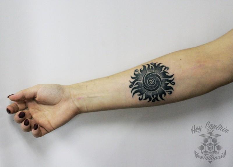 Фото татуировок черное солнце