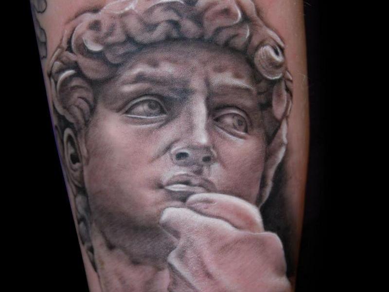 Мировые шедевры в татуировке фото 9